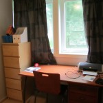 Second bedroom has a large desk